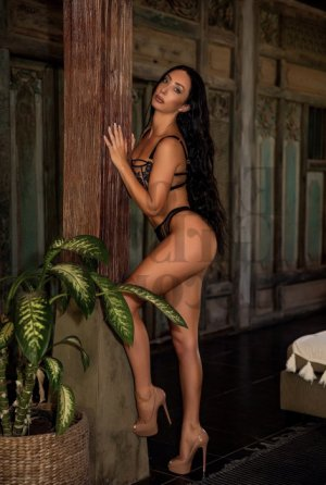 Iulia thai massage & escorts