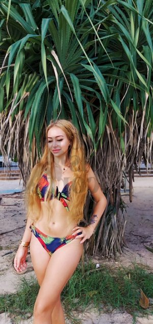 Lorence thai massage, escort girls