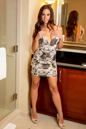 Ferouz escort in Shawnee Kansas
